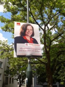 """Clea Worbs, 27 Jahre, Clea arbeitet seit März 2013 als Jugendbildungsreferentin im Landesbüro. Sie ist für Bildungsarbeit und dort vor allem für den Themenbereich """"Geschichte der Arbeiterjugendbewegung"""" zuständig. Zudem koordiniert sie die Großveranstaltungen der NRW Jusos und betreut die Neumitgliederoffensive."""